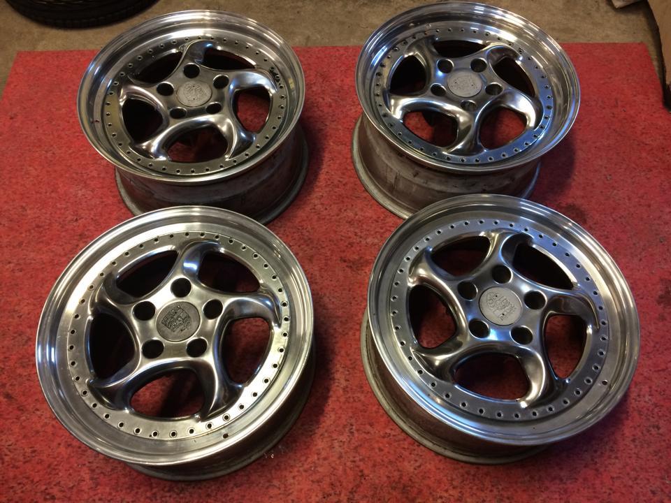 Wheels or Tyres: - 18