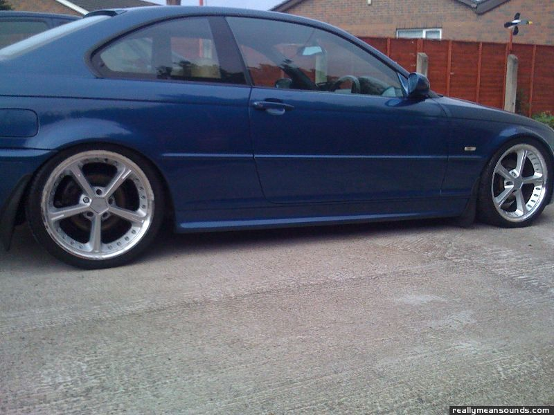 BMW 325ci sport 2001 (Sprouley4010)