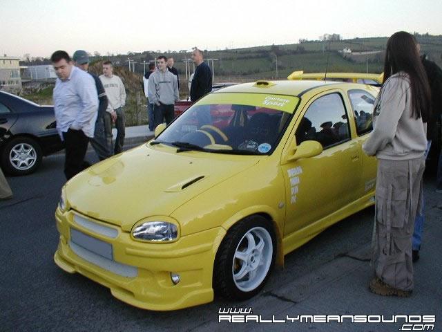 yellow_corsa.jpg(S3)