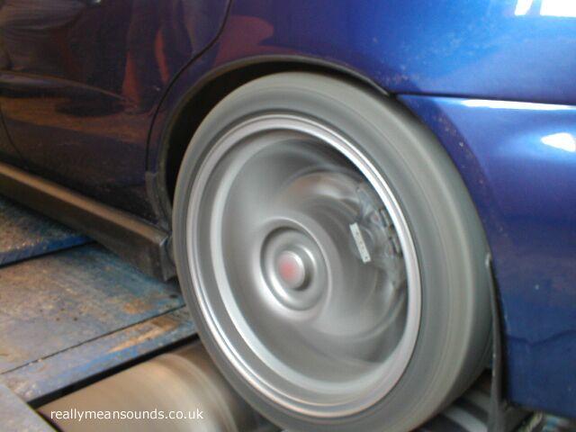 wheel on rollers.jpg