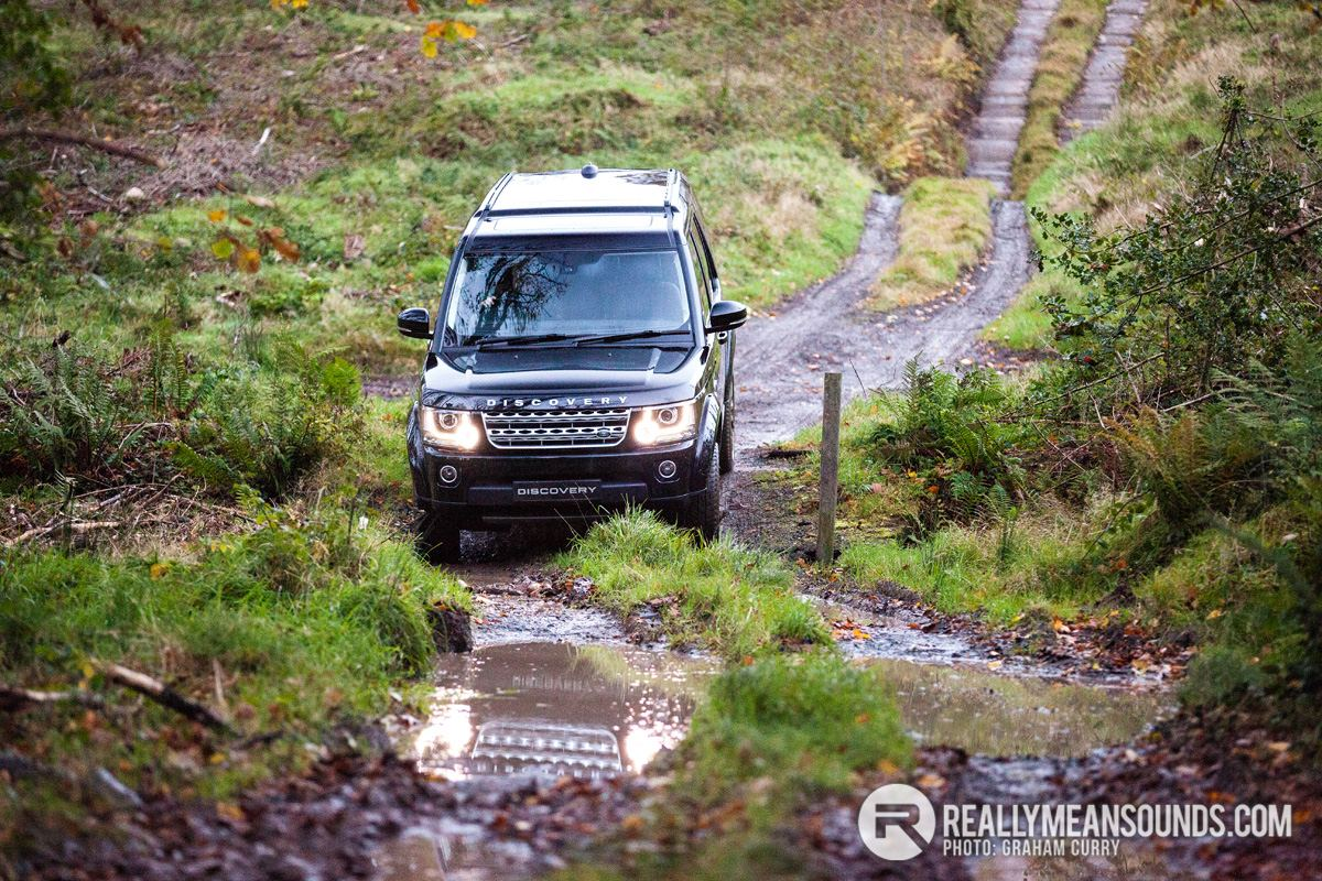 Versatile Land Rover Discovery 4 on Test