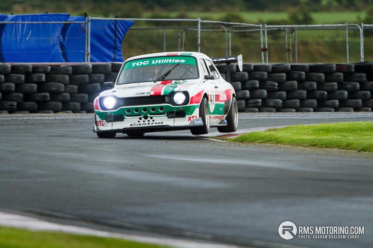 Gerard O'Connell leads the pack in his RSR Escort MkI.(S3)