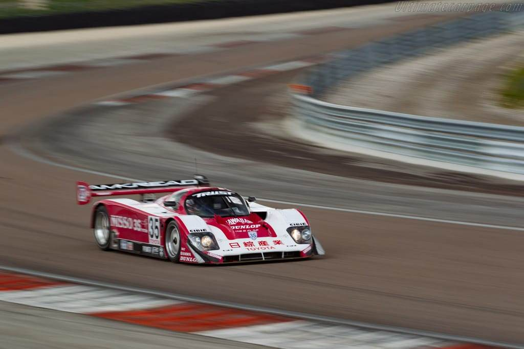 Sports-Car-Racing-in-Japan(S3)