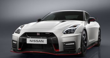 2017 Nissan GT-R NISMO unveiled