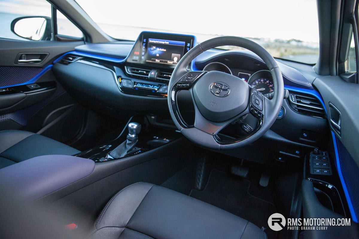 Toyota C-HR Front Seats
