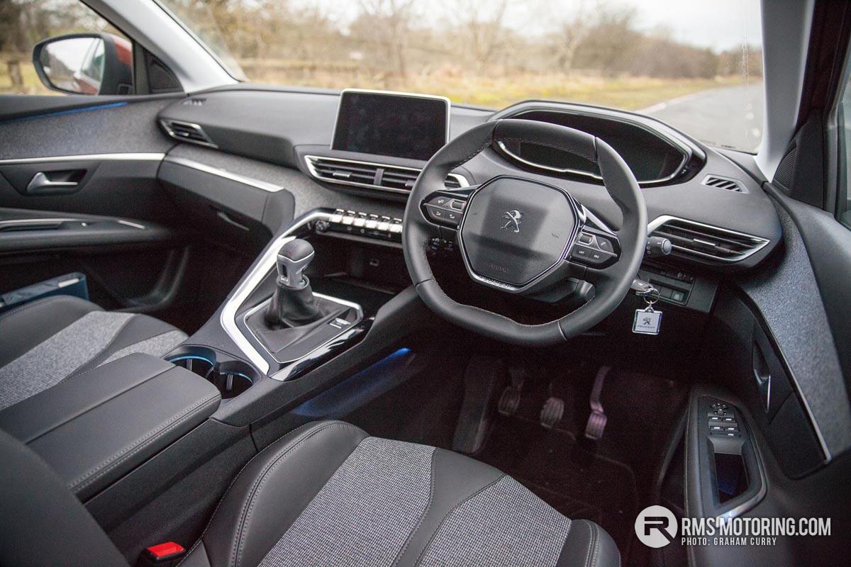 Peugeot 3008 Front Seats