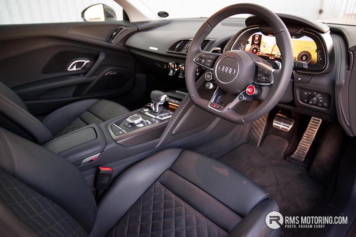 Audi R8 Front Seats